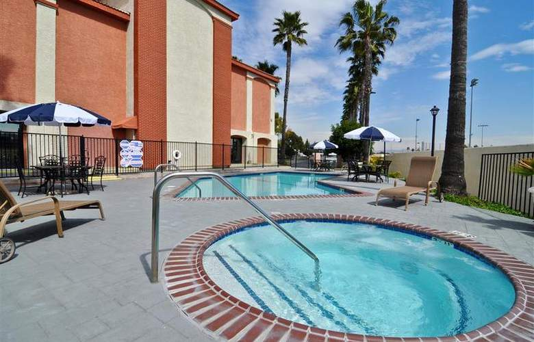 Best Western Plus Anaheim Orange County - Pool - 53