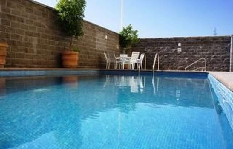 La Quinta Inn & Suites San Luis Potosi - Pool - 3