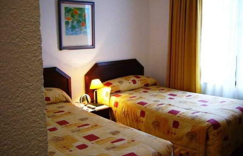 Alcala del Rio - Room - 8
