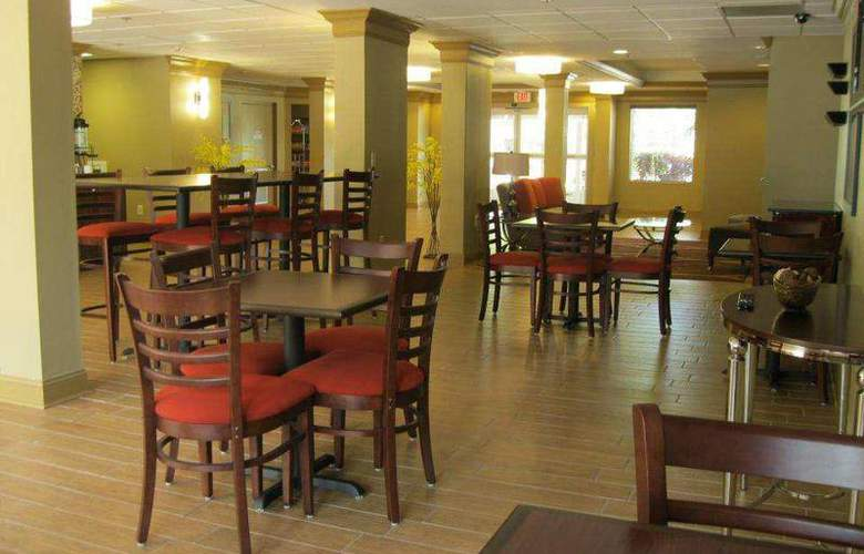 Best Western Plus Bradenton - Restaurant - 95