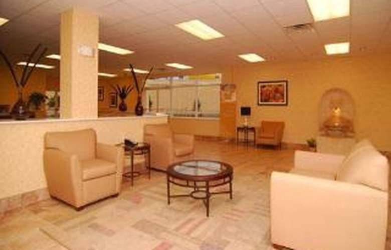 Quality Inn & Suites Near Fairgrounds Ybor City - General - 2
