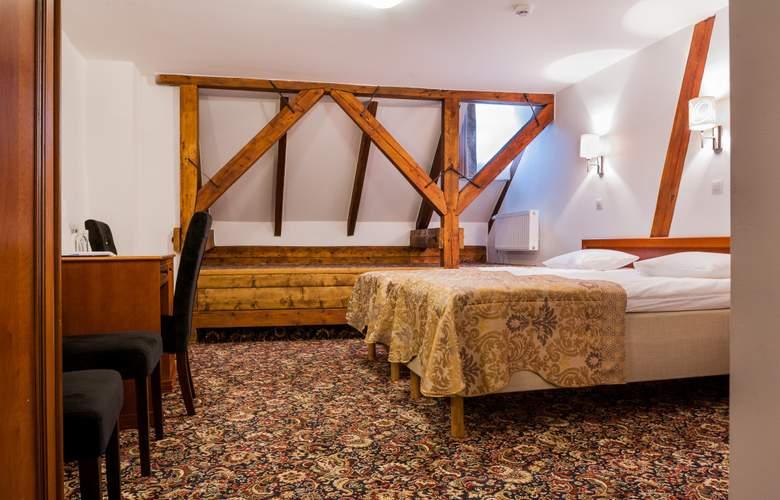 Three Crowns Residence - Room - 2