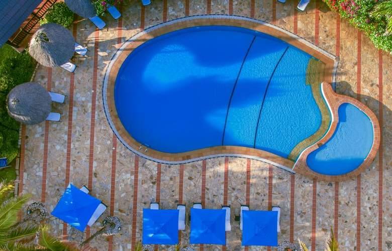 Sea Cliff - Pool - 17