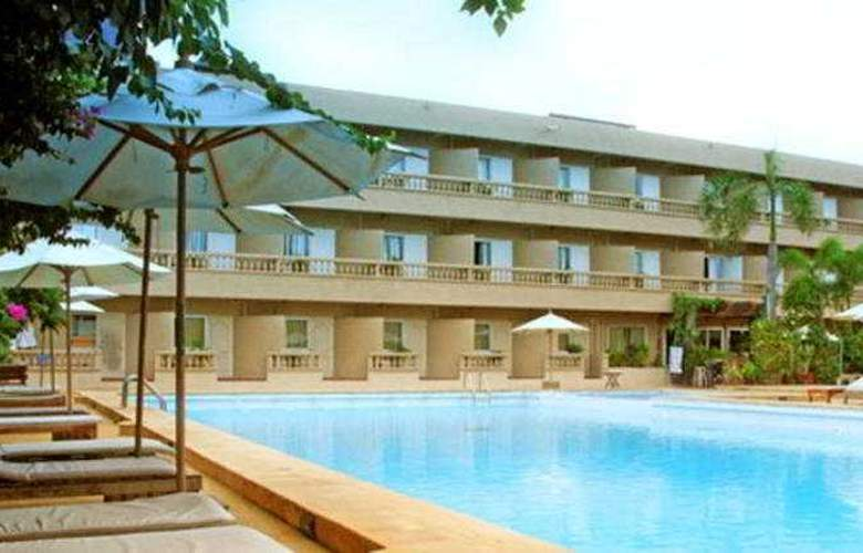 I Sawanya Beach Resort - Hotel - 0
