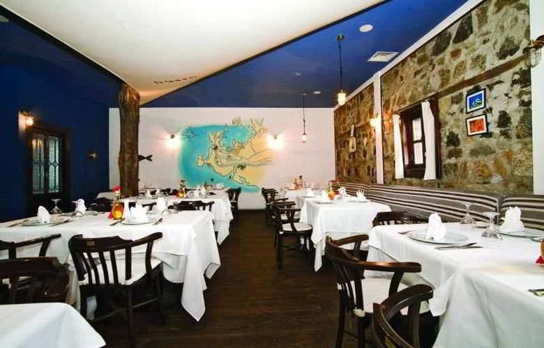 Otantik Club Hotel - Restaurant - 10
