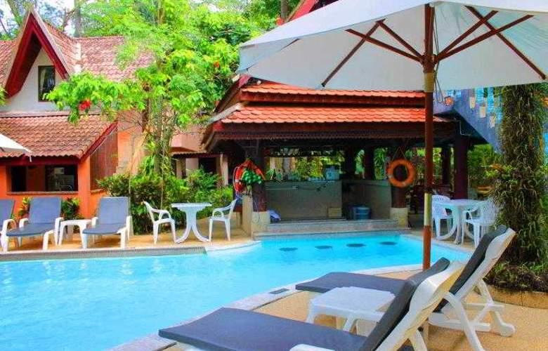 Emerald Garden Resort - Pool - 4