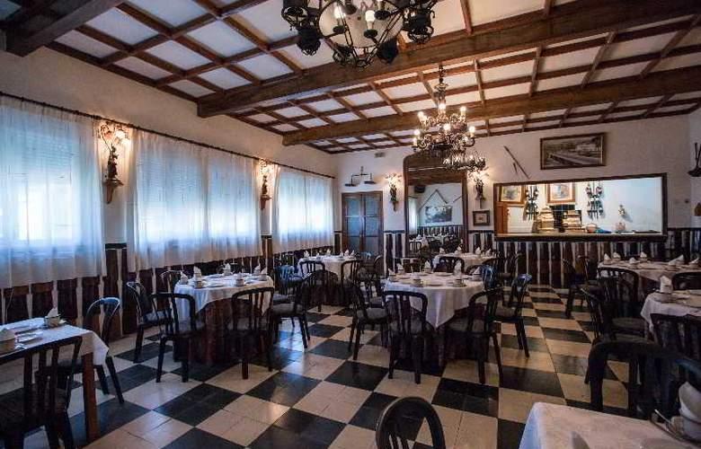 Los Perales - Restaurant - 17