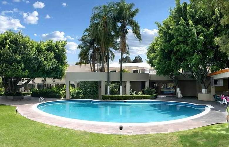 Camino Real Guadalajara - Pool - 4