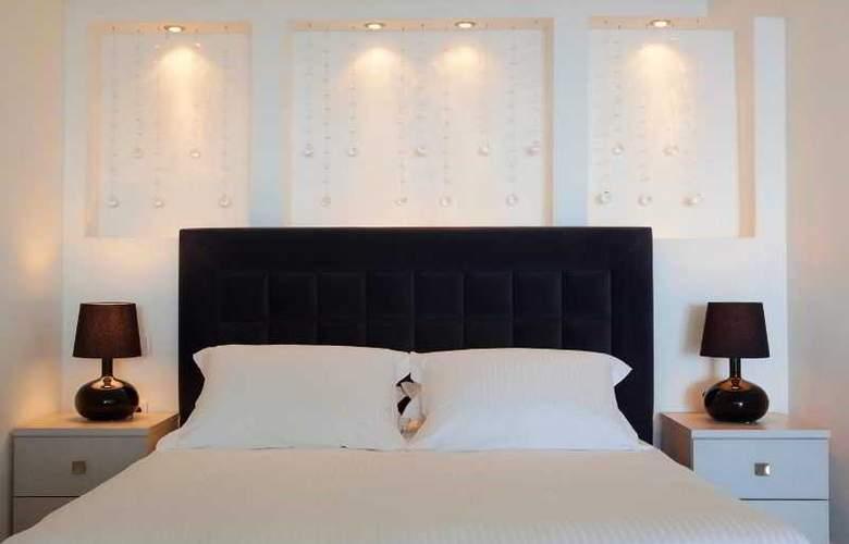 Adamant Suites - Room - 6