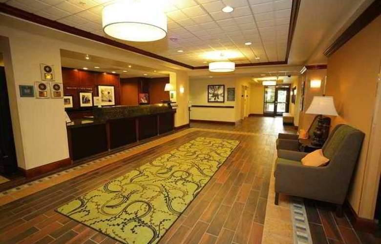 Hampton Inn & Suites Lake Mary At Colonial - Hotel - 1