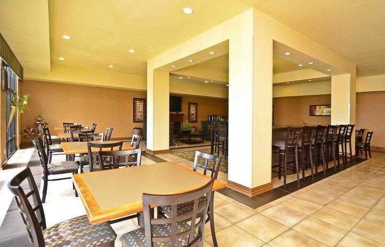 Best Western Plus Christopher Inn & Suites - Hotel - 16