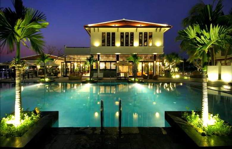 Hoi An Beach Resort - Pool - 19