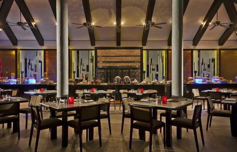 Velassaru Maldives - Restaurant - 26