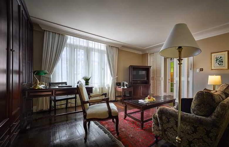 Eastern and Oriental Hotel Penang - Room - 32