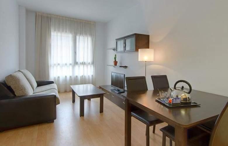 Tryp Madrid Airport Suites - Room - 10