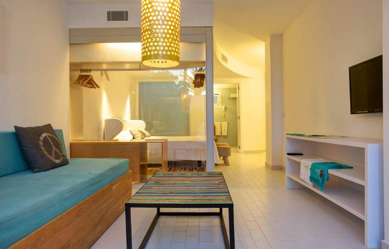 Santos Ibiza Coast Suites - Room - 9