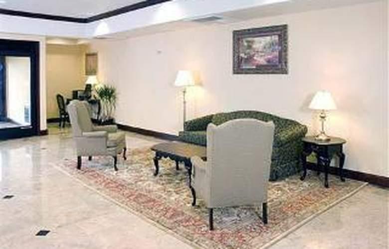 Comfort Inn & Suites Airport - General - 3