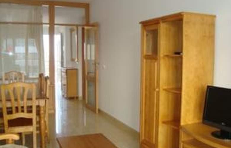 Apartamentos Paseo Marítimo - Room - 3