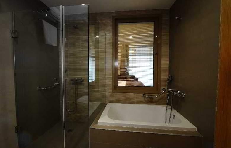Ramada Podgorica - Room - 8