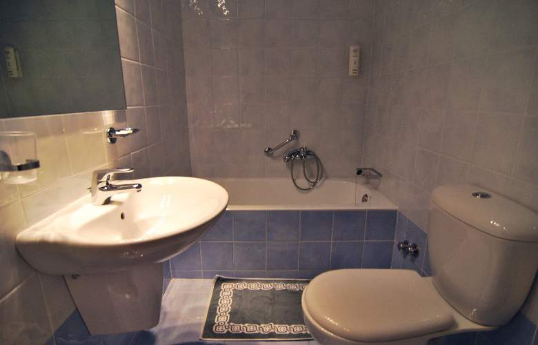 Iniohos Hotel - Room - 3
