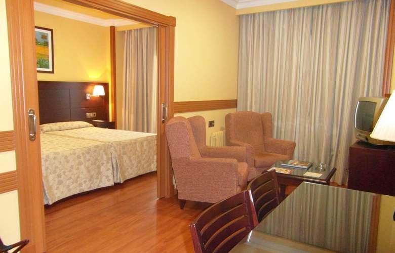 Dos Castillas - Room - 2
