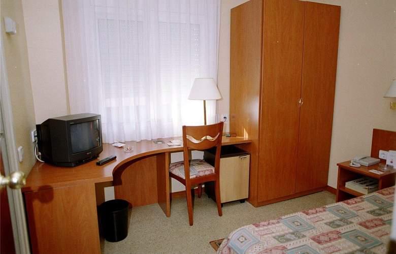 Bonanova Park - Room - 14