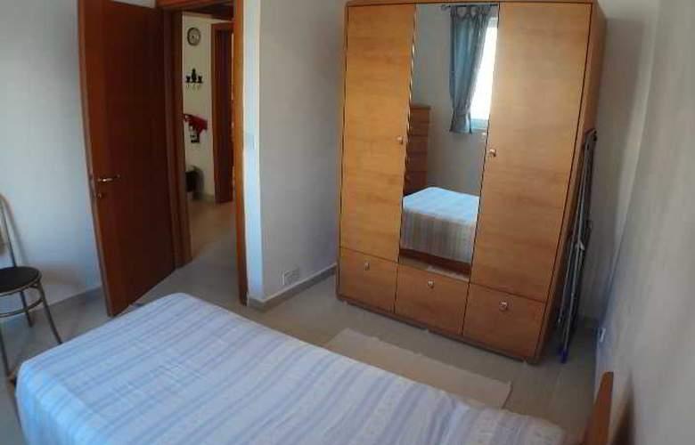 Eri Apartment E004 - Room - 9