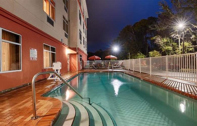 Best Western Plus Cecil Field Inn & Suites - Pool - 38