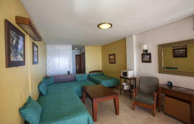 Apartamentos Jabega - Room - 11