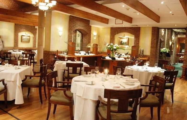 NH Collection Plaza Santiago - Restaurant - 11