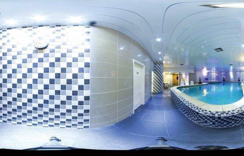 The Oaks Hotel and Leisure Club - Pool - 137