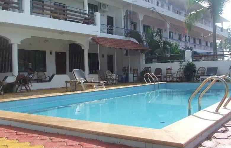 Pleasure Beach Resort - Pool - 17
