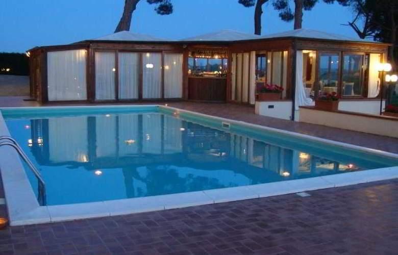 Relais Villa Petrischio - Pool - 7