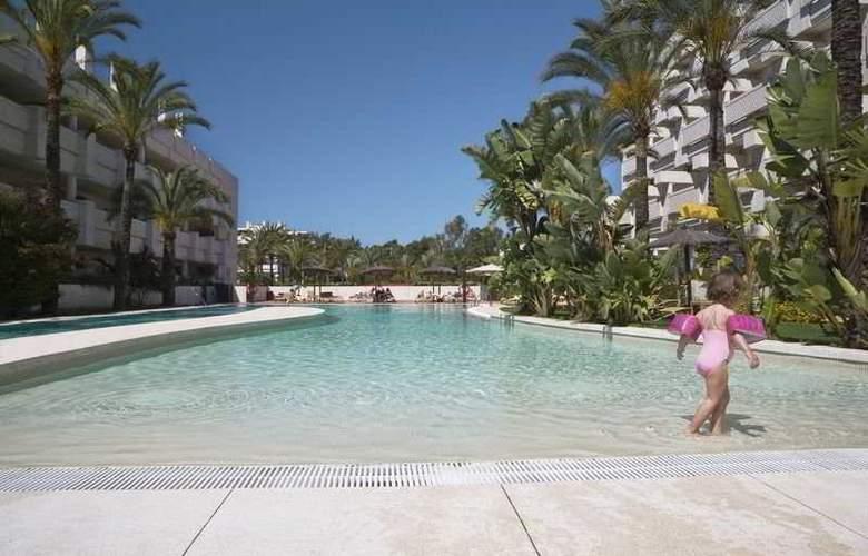 Alanda Hotel - Pool - 3