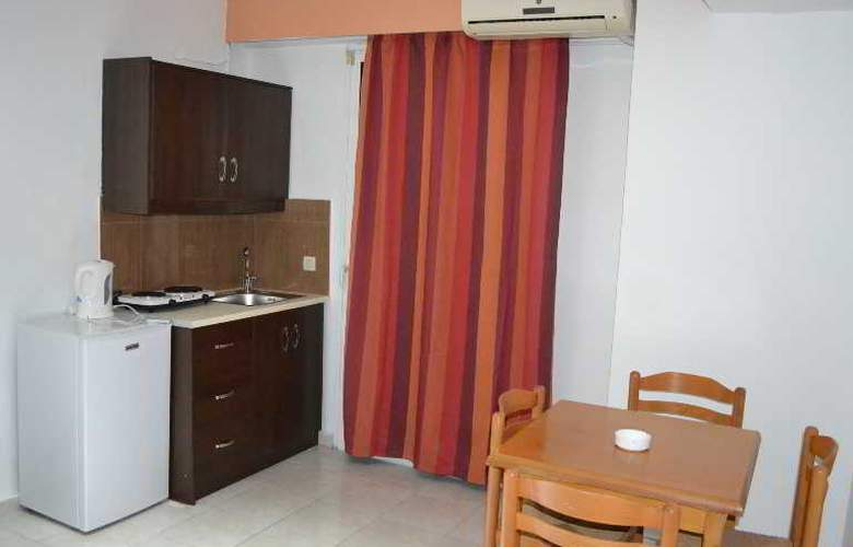 Panorama Hotel and Apartments - Room - 6