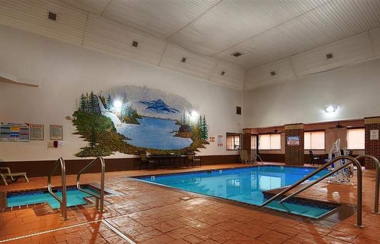 Best Western Edmond Inn & Suites - Pool - 44