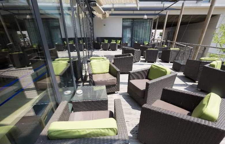 Holiday Inn Express Marseille - Terrace - 7