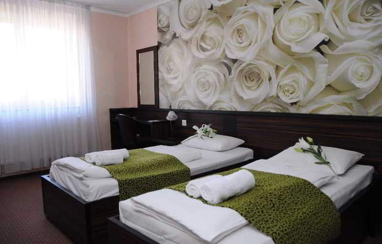 Green Hotel Budapest - Room - 7