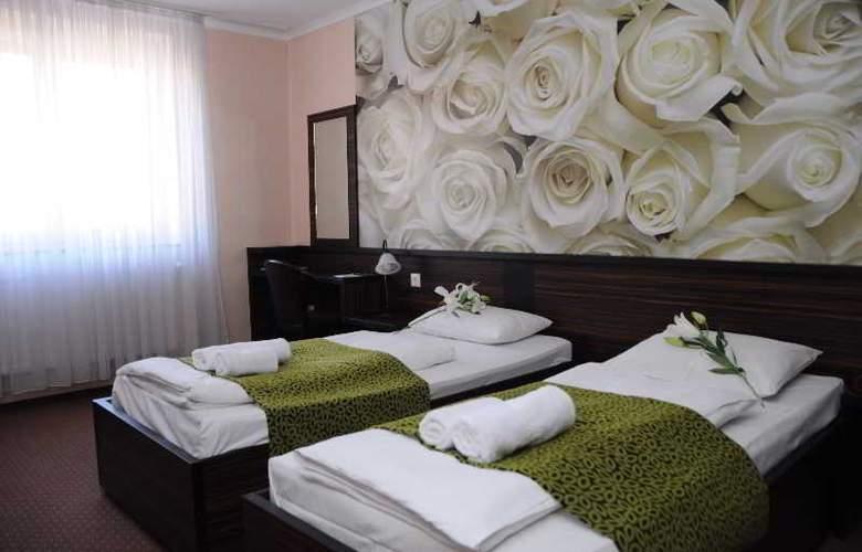 Green Hotel Budapest - Room - 7