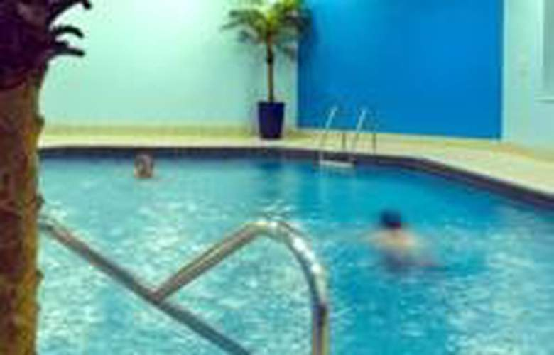 Mercure Chester North Woodhey House Hotel - Pool - 3