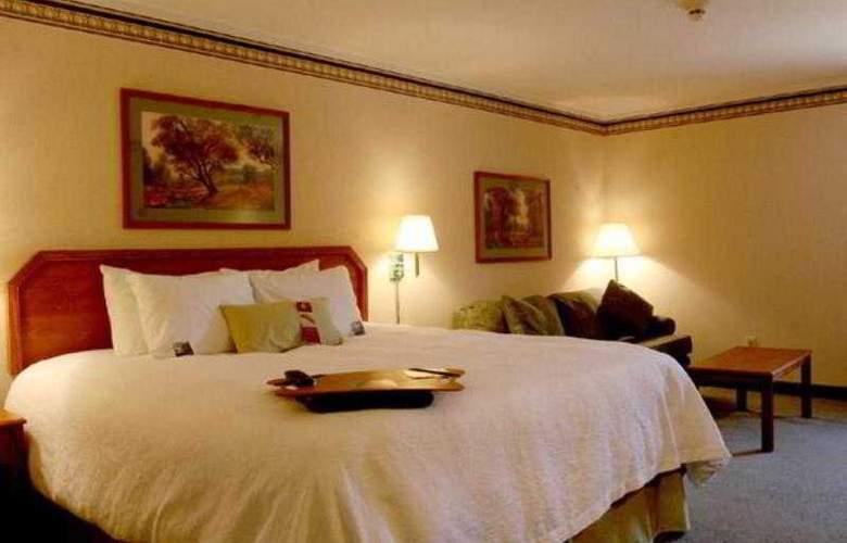 Hampton Inn Portage - Room - 13