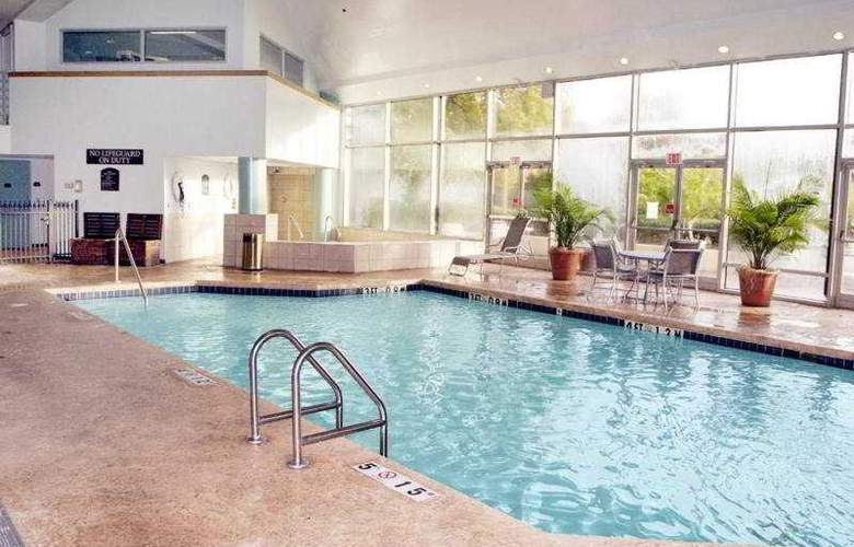 Holiday Inn Select Memphis East - Pool - 5