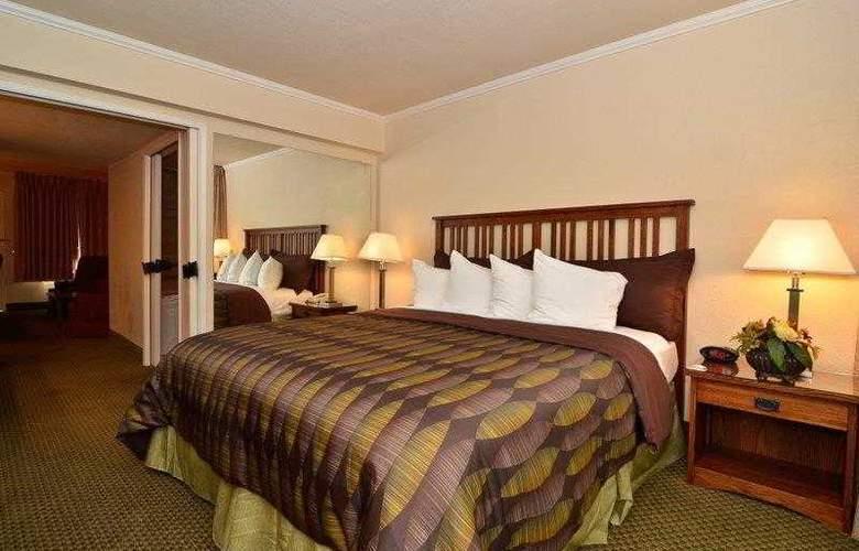 Best Western Plus Station House Inn - Hotel - 4