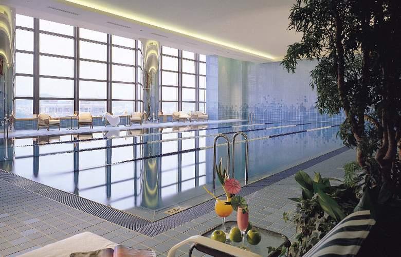Ambassador Hotel Hsinchu - Pool - 11