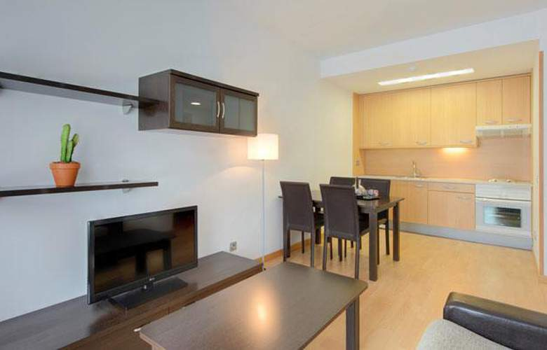 Tryp Madrid Airport Suites - Room - 14