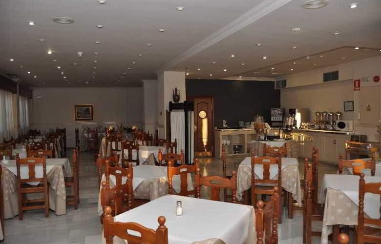 Doña Carmela Sercotel - Restaurant - 21