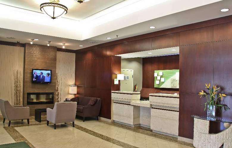 Holiday Inn Hotel & Suites Winnipeg Downtown - General - 11
