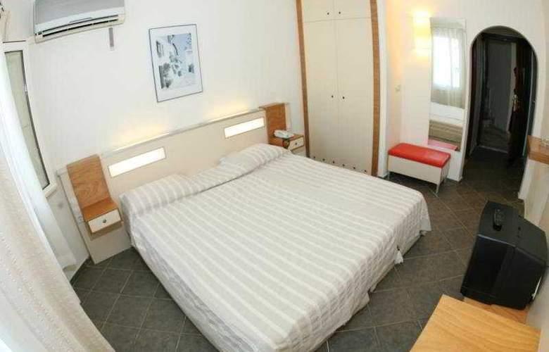 Serhan - Room - 1