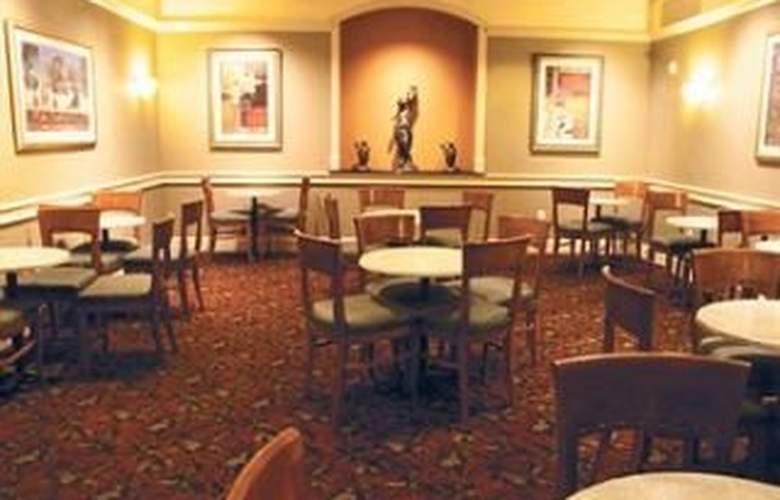 La Quinta Inn & Suites San Antonio Convention Cntr - Restaurant - 10