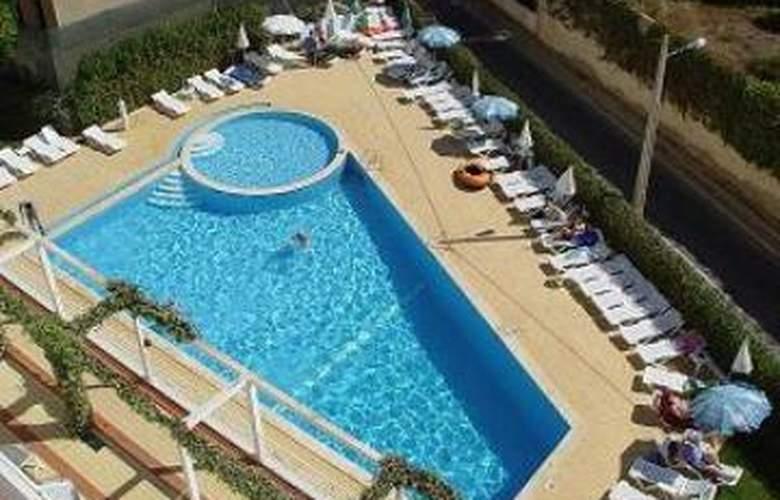 Apartamentos Maralvor - Pool - 4